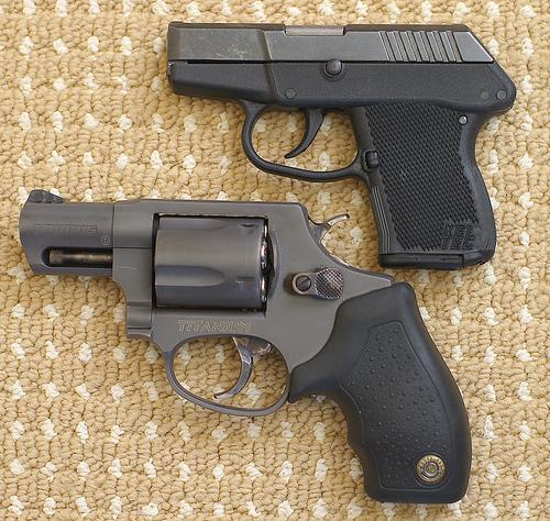 taurus-85t-revolver-vs-kel-tec-p3at-pistol-241.jpg